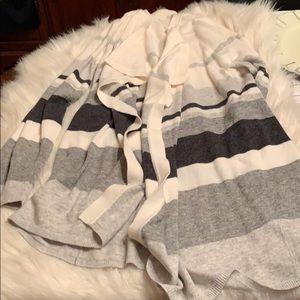 LOFT Sweaters - NWOT Loft XL Sweater Viscose/Nylon/Wool. A beauty.